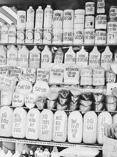 Chất hóa học thực phẩm bày bán tại chợ Kim Biên